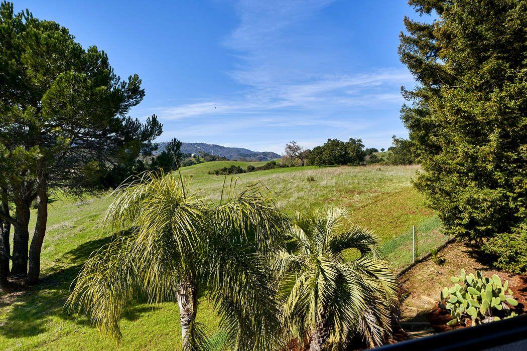 22501 Rolling Hills Rd Saratoga, CA 95070