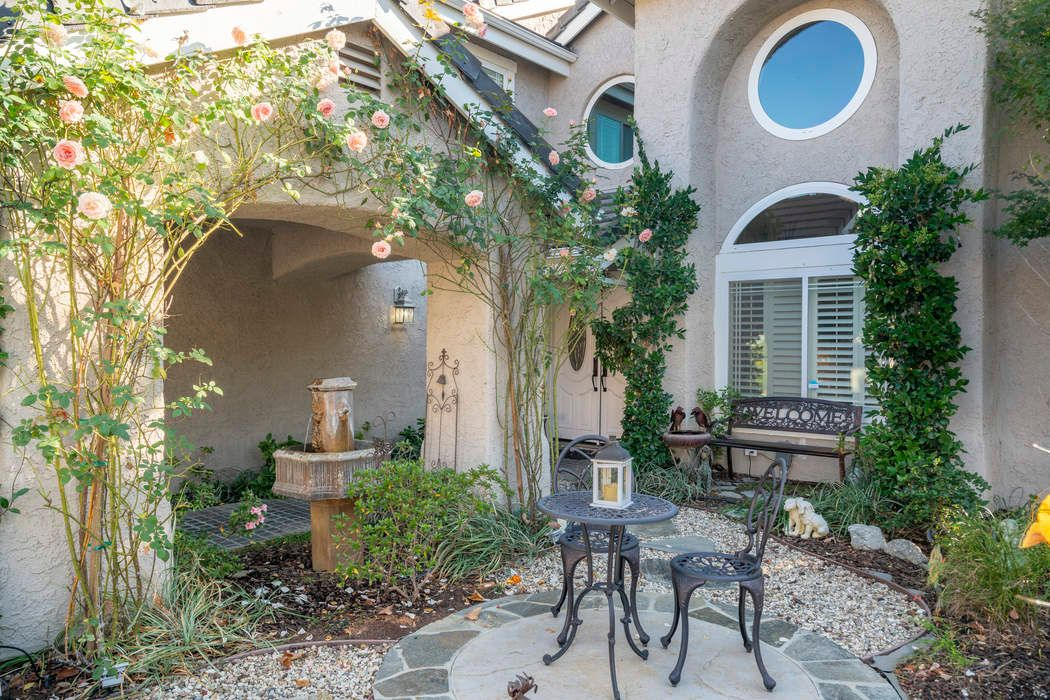 Perfect Pool Property in Agoura Hills Agoura Hills, CA 91301