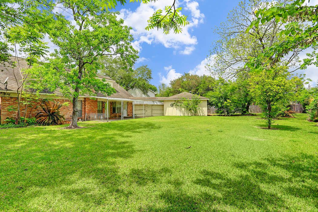 7403 Lacy Hill Dr Houston, TX 77036