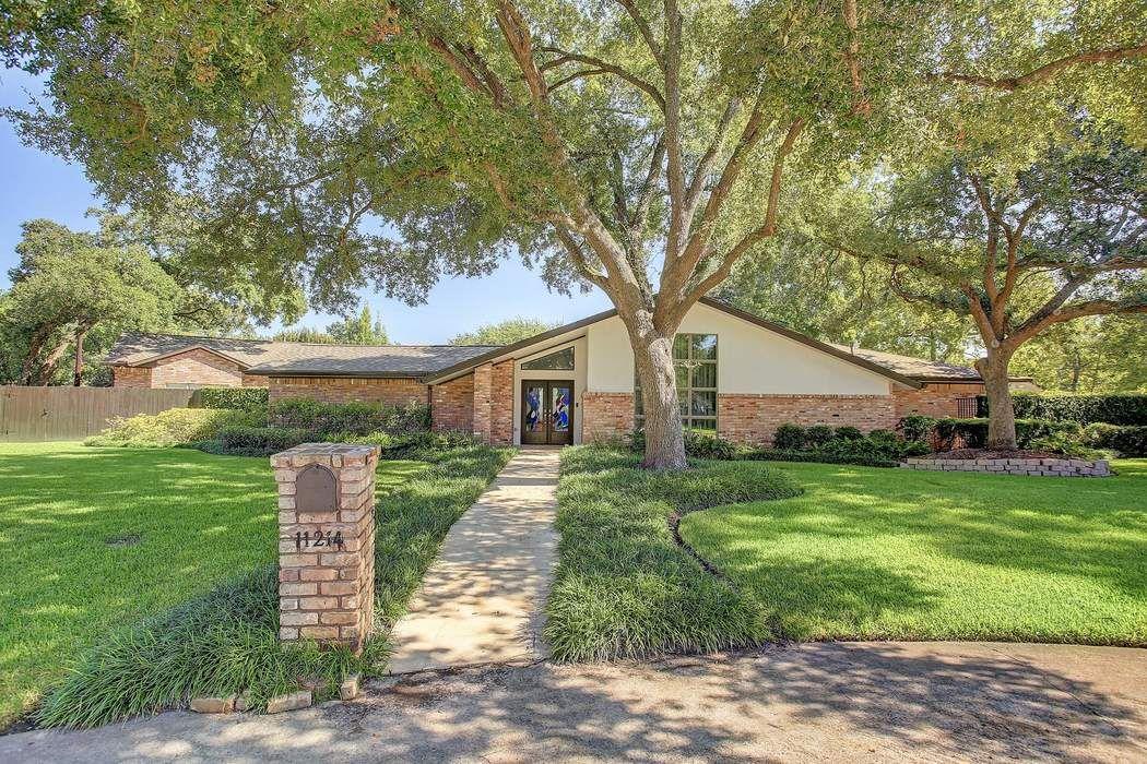 11214 Montebello Court Houston, TX 77024