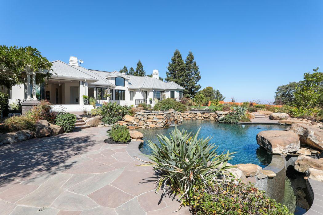 27466 Sunrise Farm Rd Los Altos Hills, CA 94022