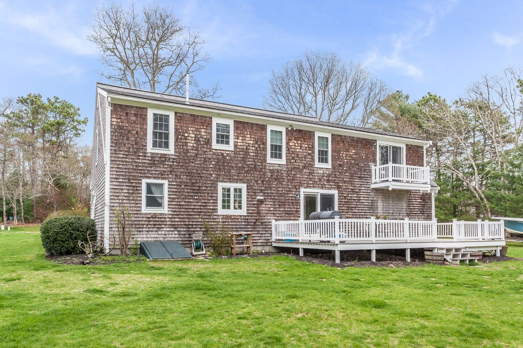 34 Lakeview Drive Sandwich, MA 02563