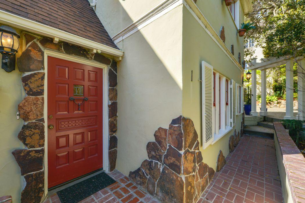 1 Downey Pl Oakland, CA 94610