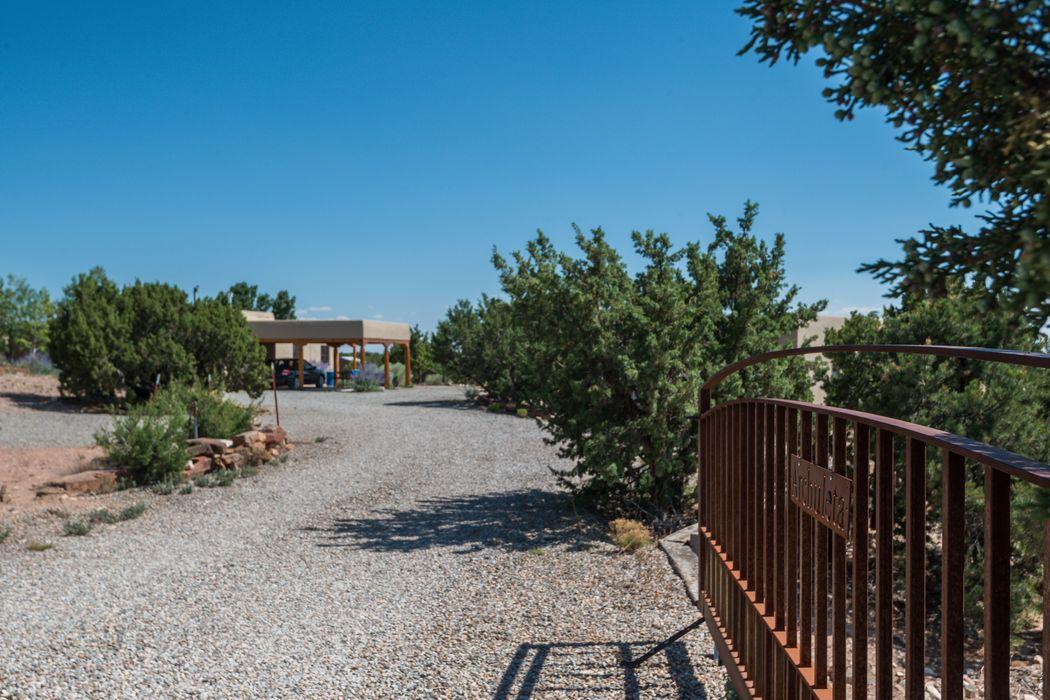 8 Calle Nopalitos Santa Fe, NM 87507