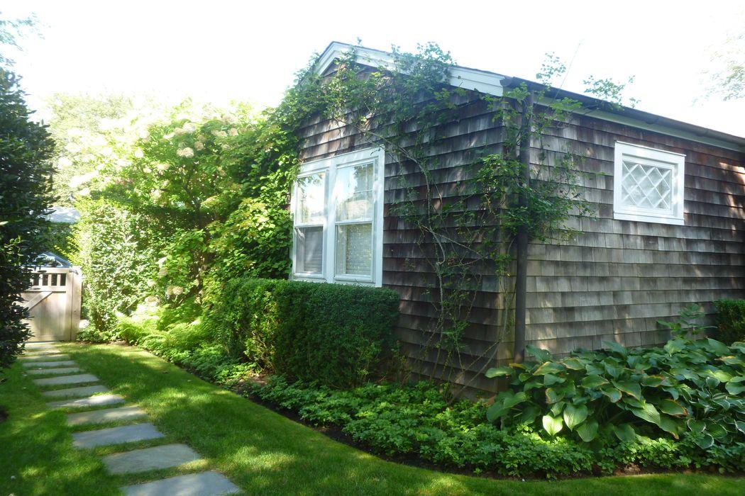 Chic East Hampton Village Cottage East Hampton, NY 11937