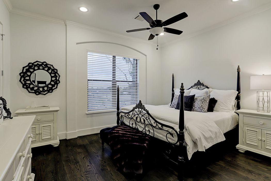 4918 Gibson Street Houston, TX 77007