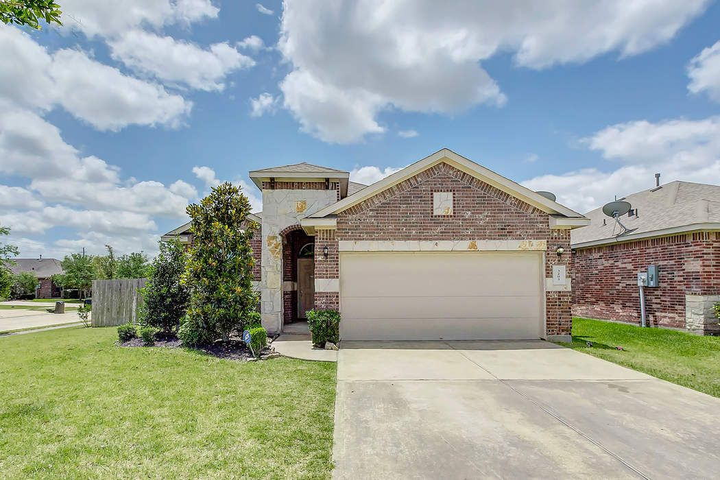 3203 Carriage Cove Court