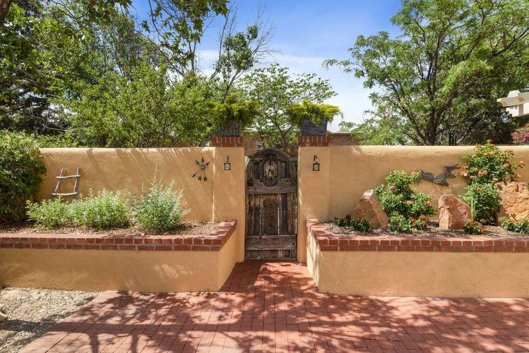 521 Agua Fria Street Santa Fe, NM 87501