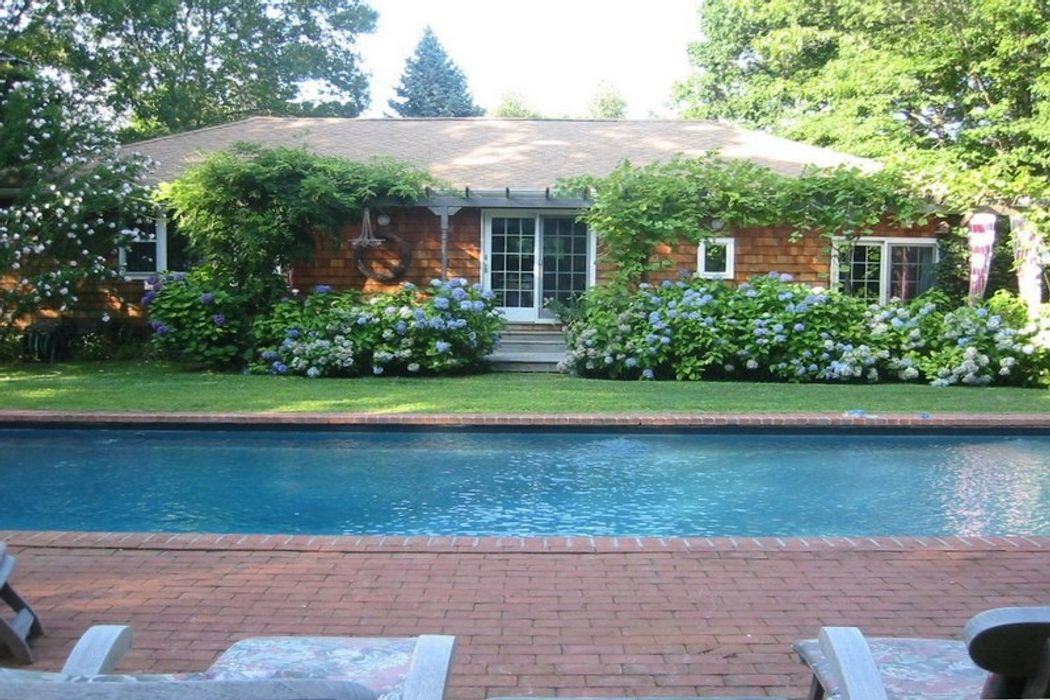A Perfect Cottage in the Hamptons East Hampton, NY 11937