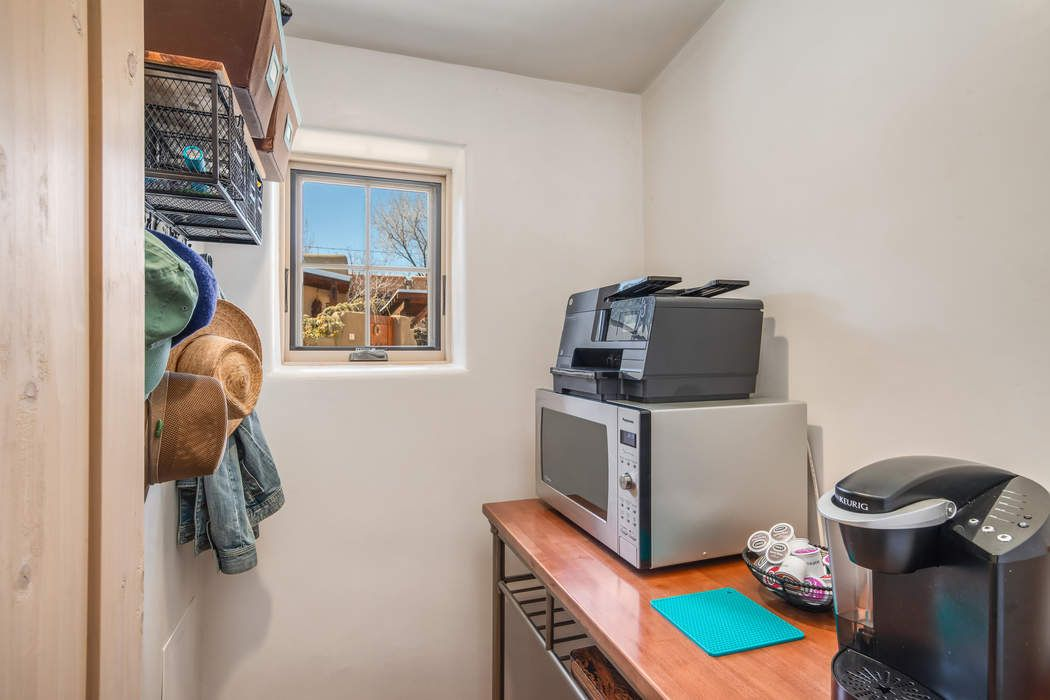 1020 Canyon Rd Unit D Santa Fe, NM 87501