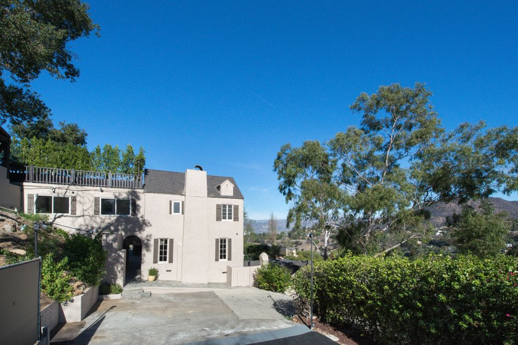 3001 Passmore Drive Los Angeles, CA 90068