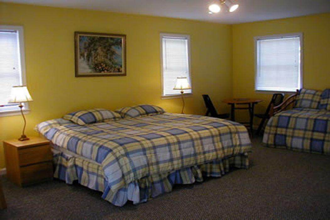 Nine-Bedroom Contemporary with Tennis Sag Harbor, NY 11963