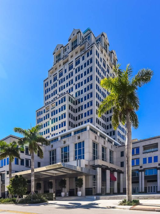 222 Lakeview Avenue West Palm Beach, FL 33401