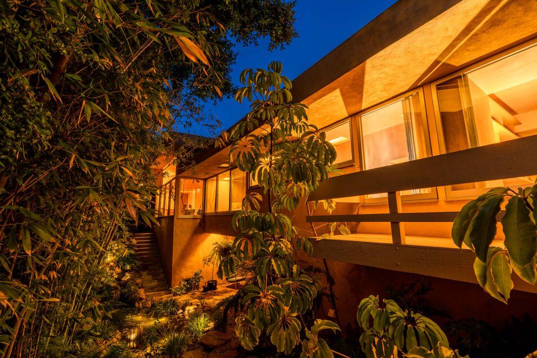 4000 Sunnyslope Ave Sherman Oaks, CA 91423