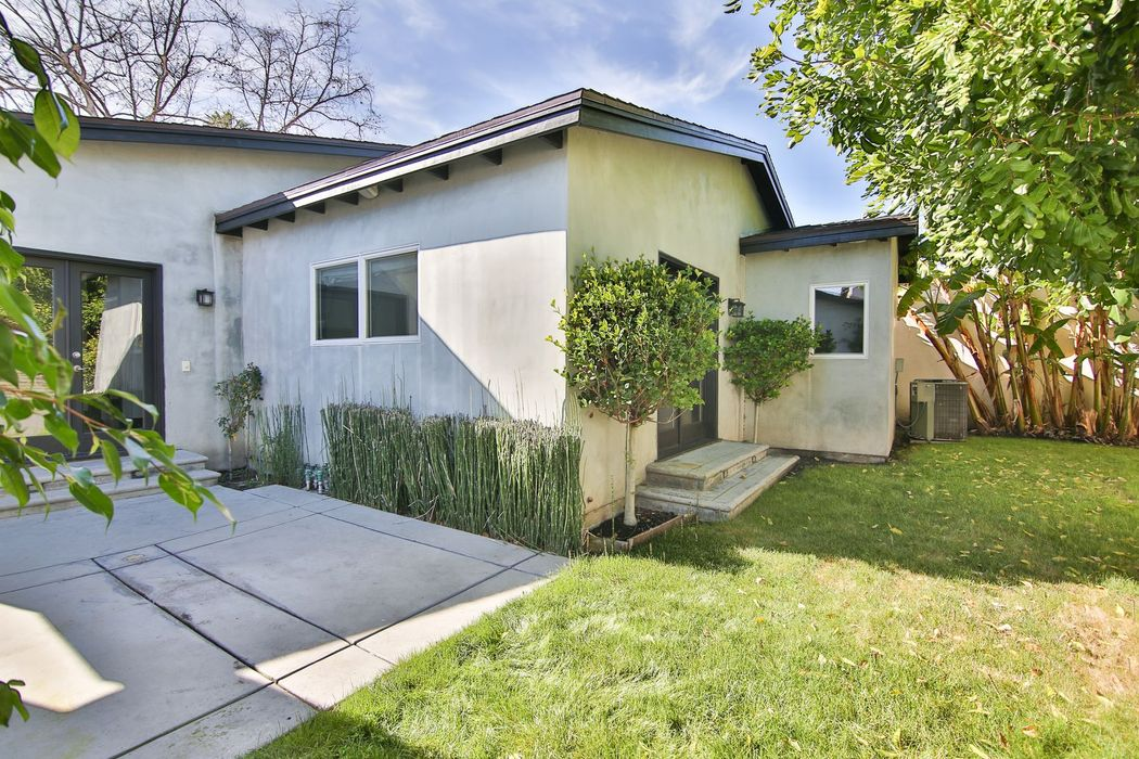 432 Westmount Drive West Hollywood, CA 90048