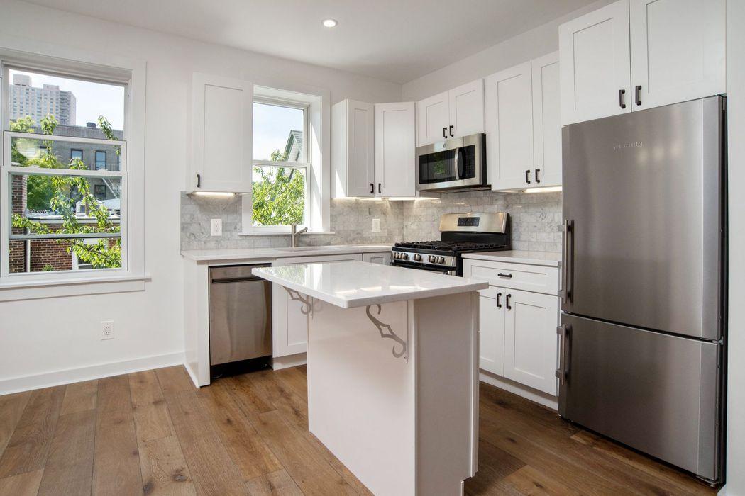 36 Van Corlear Place Bronx, NY 10463