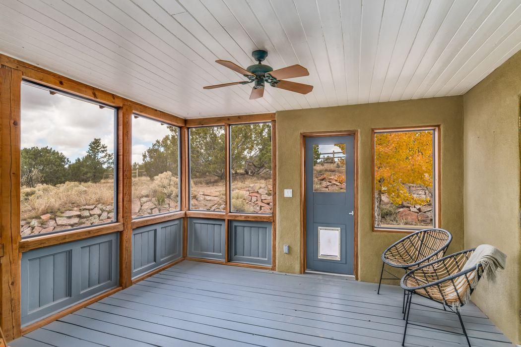 121 B Camino Acote Santa Fe, NM 87508