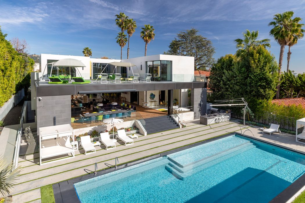 809 North Rexford Drive Beverly Hills, CA 90210