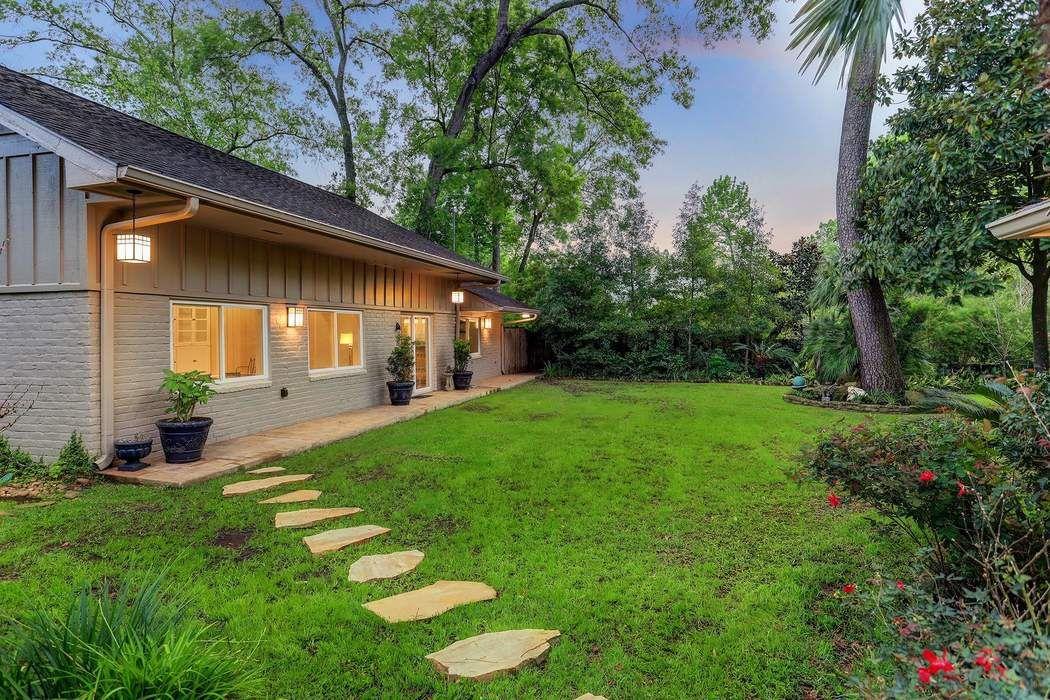 8315 Hunters Creek Drive Houston, TX 77024