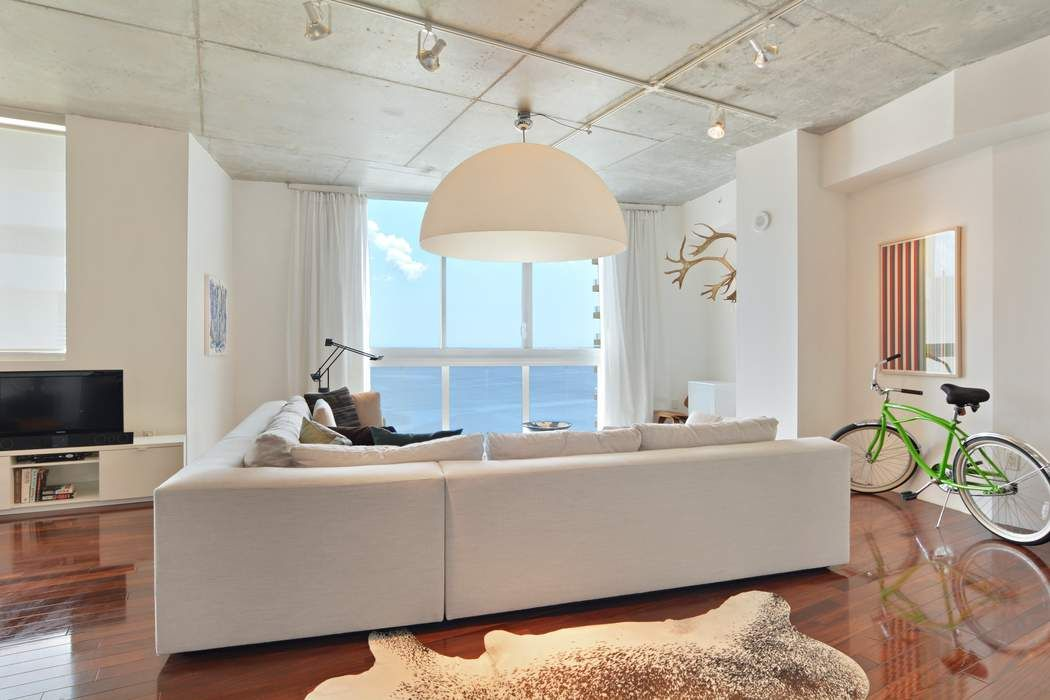 Boutique Loft Condo On Waterfront