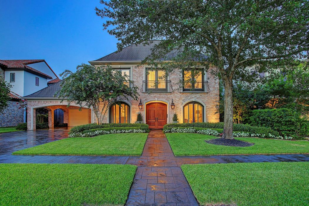 Admirable 218 Crestwood Drive Houston Tx 77007 Martha Turner Home Interior And Landscaping Ologienasavecom
