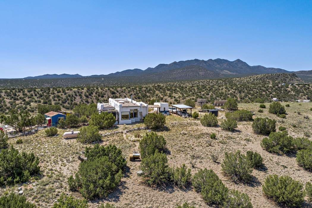 29 Old Goat Road Cerrillos, NM 87010