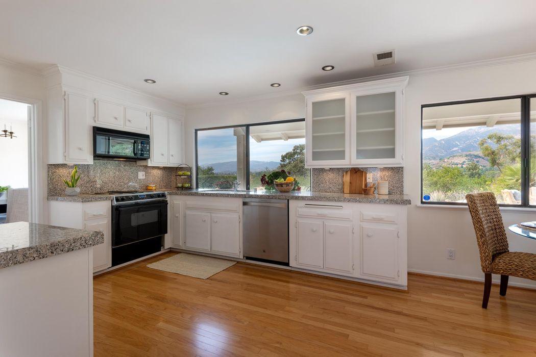 225 Constance Ln Santa Barbara, CA 93105