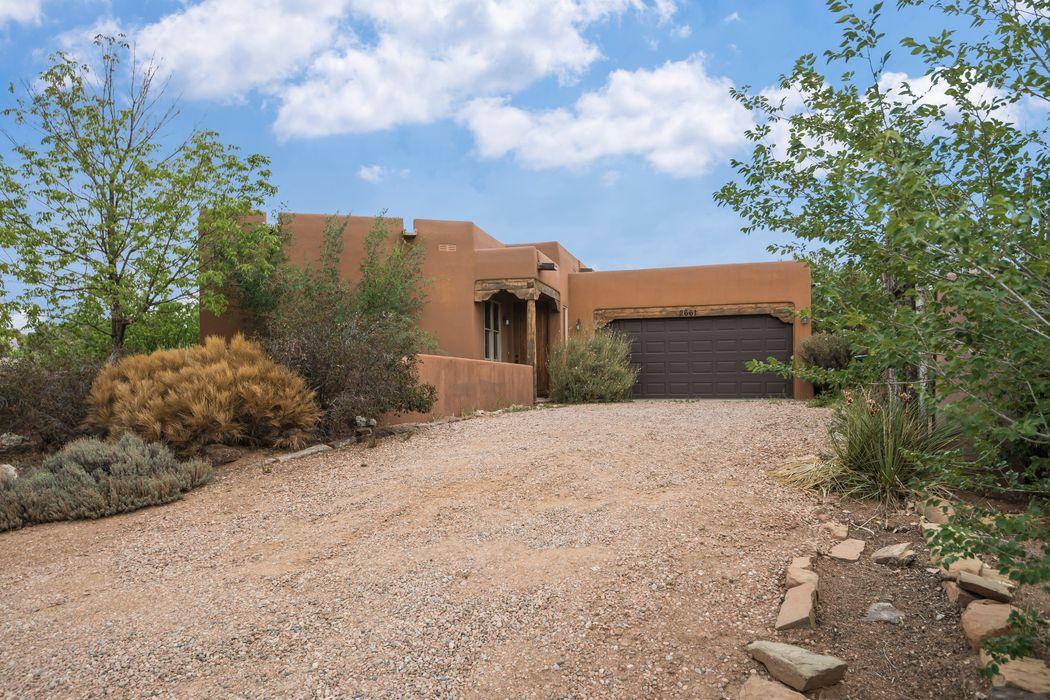 2661 Chelsea Lane Santa Fe, NM 87505