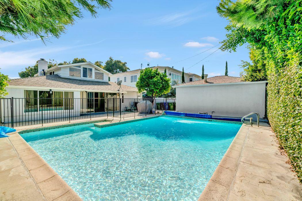 9631 Oakmore Road Los Angeles, CA 90035
