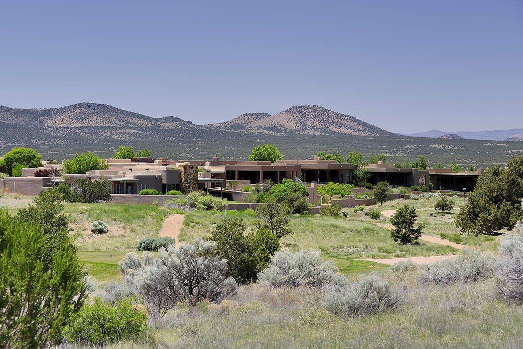 6 Summer Storm Circle Santa Fe, NM 87506