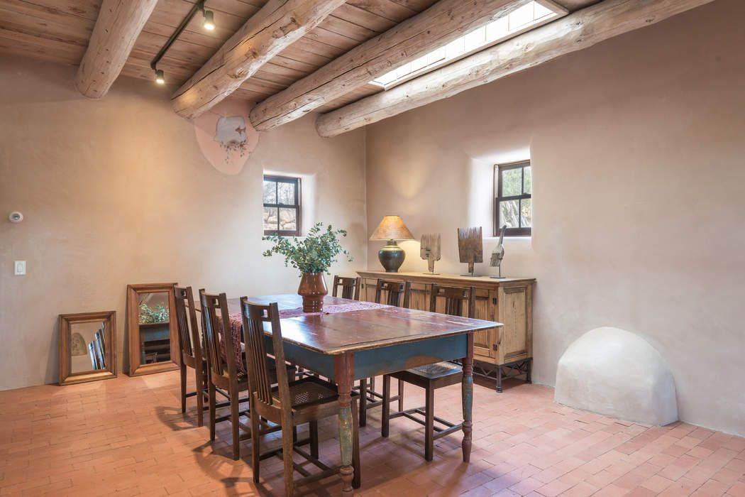 6-A Los Anayas Lane Galisteo, NM 87540