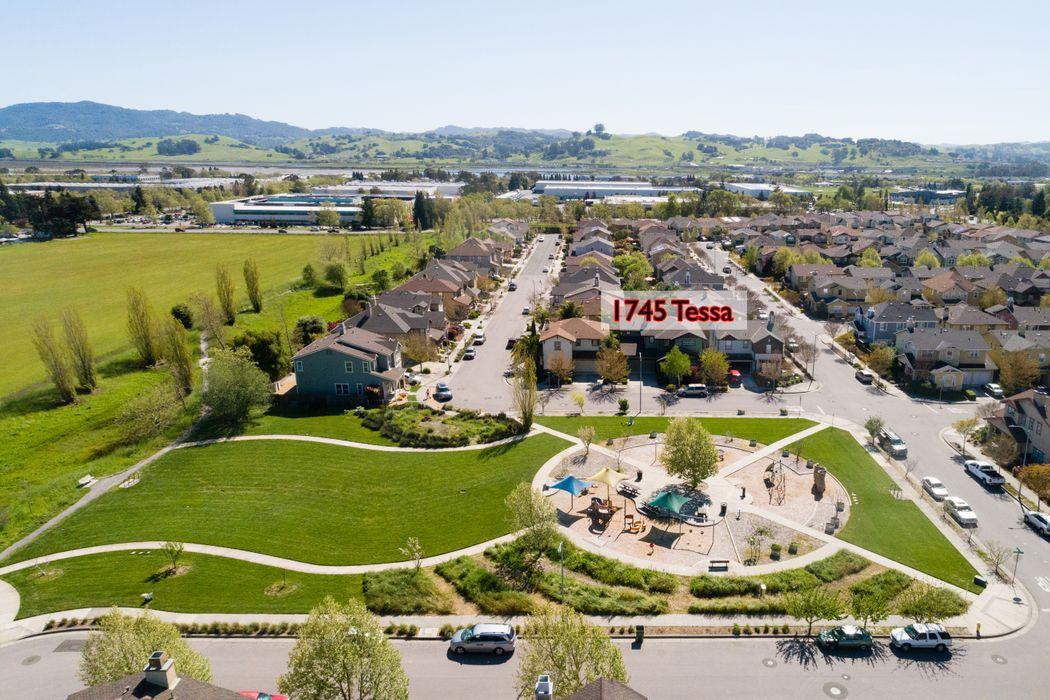 1745 Tessa Way Petaluma, CA 94954