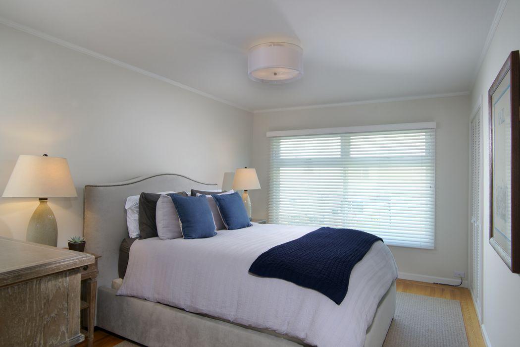 Remodeled Laurel Heights Top Floor Condo San Francisco, CA 94118