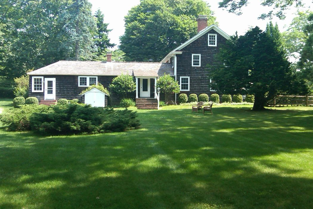 10 Roberts Lane East Hampton, NY 11937