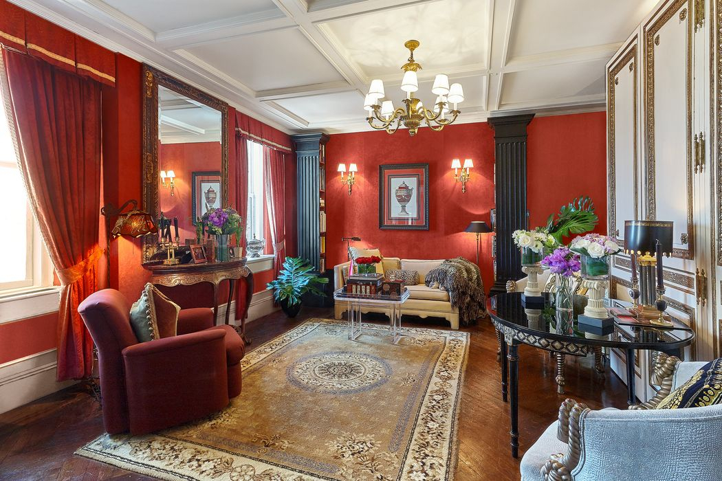 35 East 76th Street New York, NY 10021