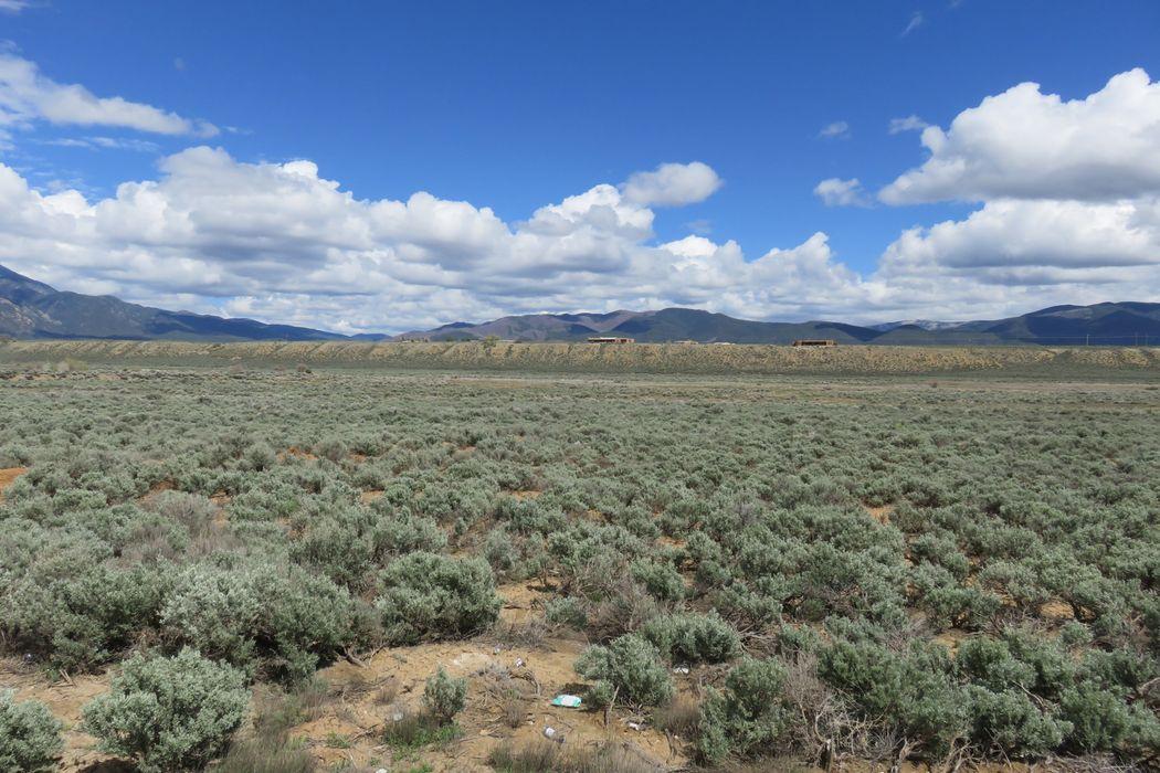 Lower Las Colonias Road Taos, NM 87571