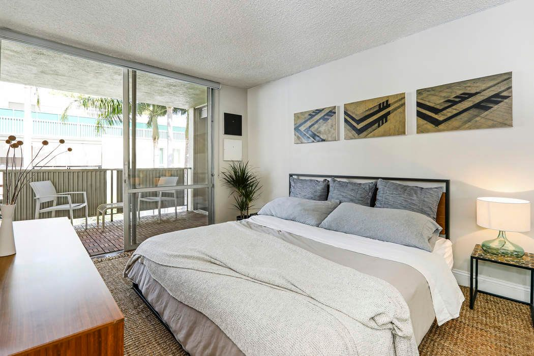 848 North Kings Road #305 West Hollywood, CA 90069