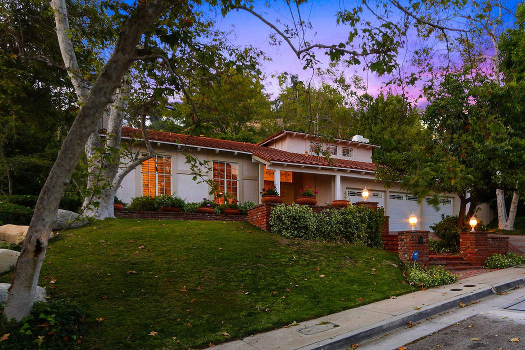 9771 Donington Place Beverly Hills, CA 90210