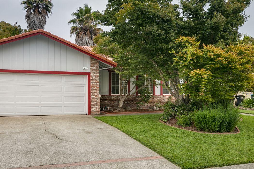5738 Davis Circle Rohnert Park, CA 94928