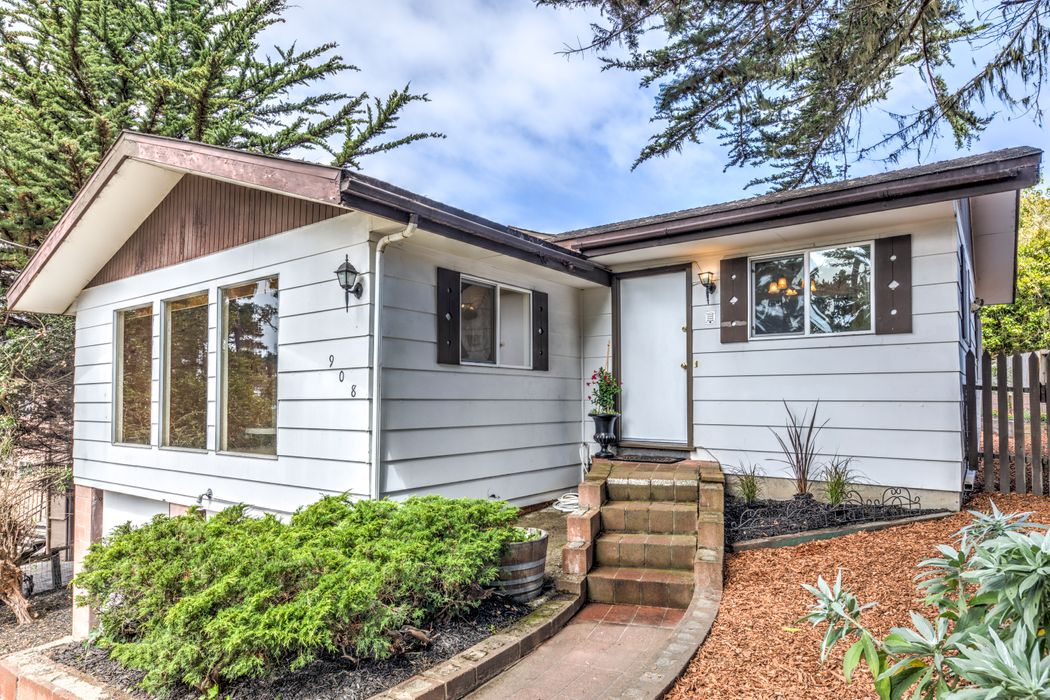 908 Sunset Drive Pacific Grove, CA 93950