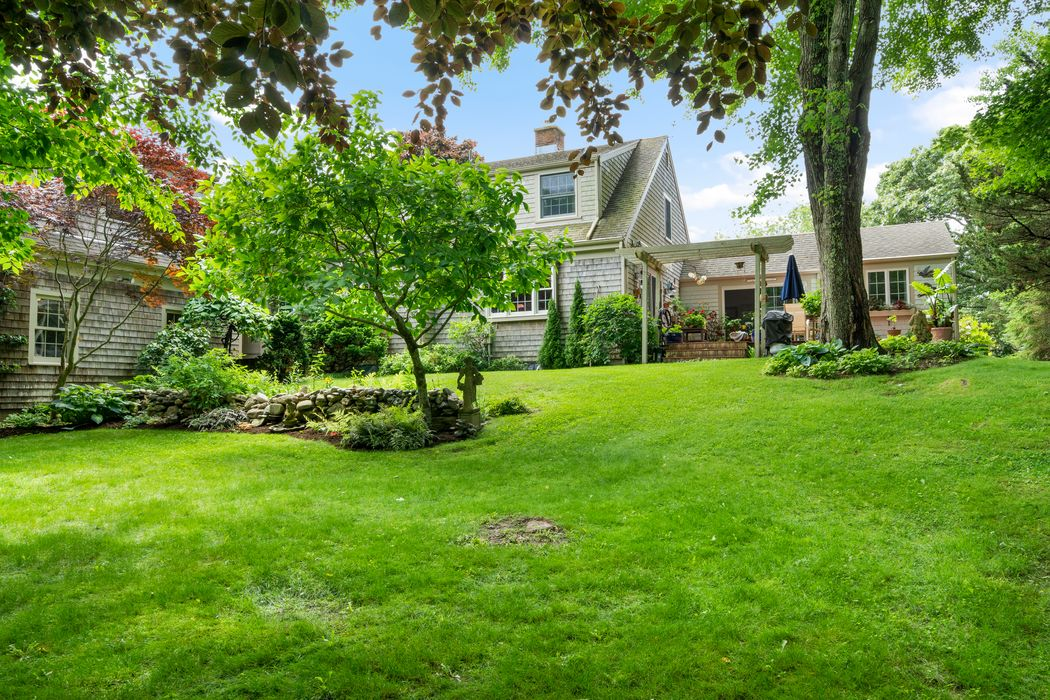 86 Parker Road, West Barnstable, MA 02655   Sotheby's