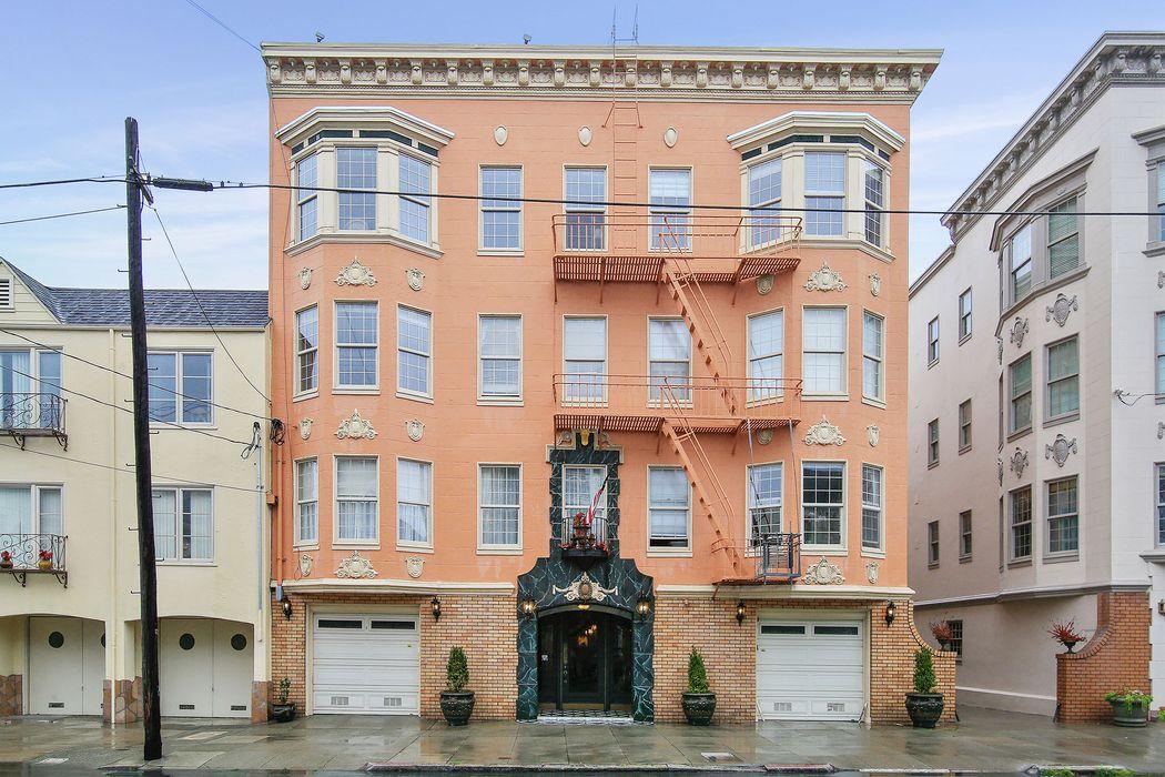 Cow Hollow Trophy Building San Francisco, CA 94123