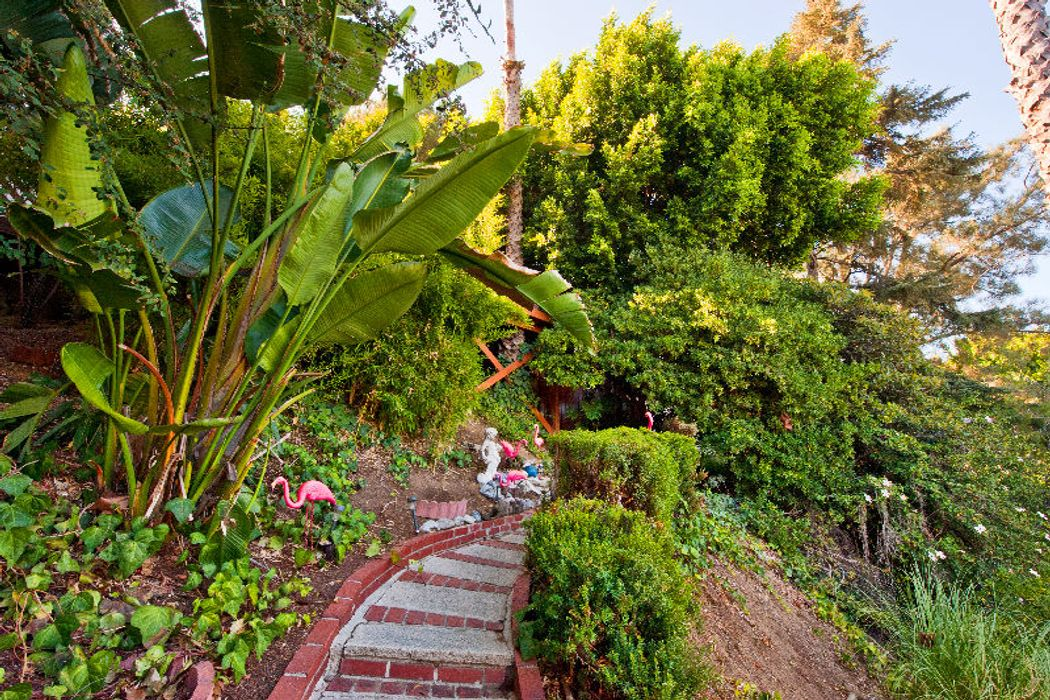 907 Robinson St Los Angeles, CA 90026