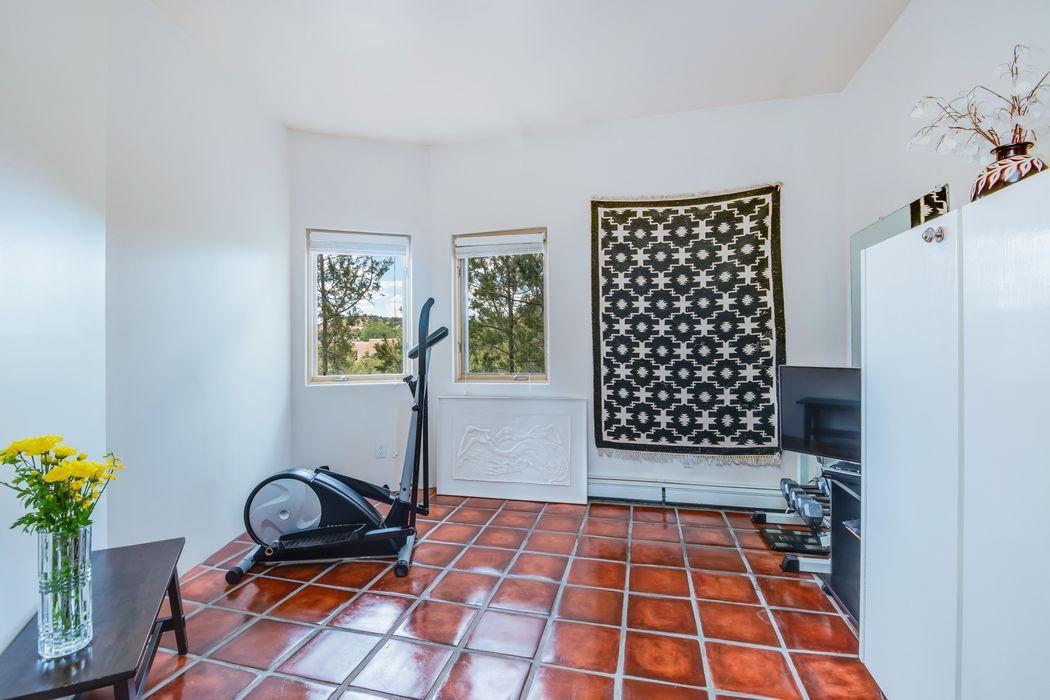 981 Paseo Del Sur Santa Fe, NM 87501
