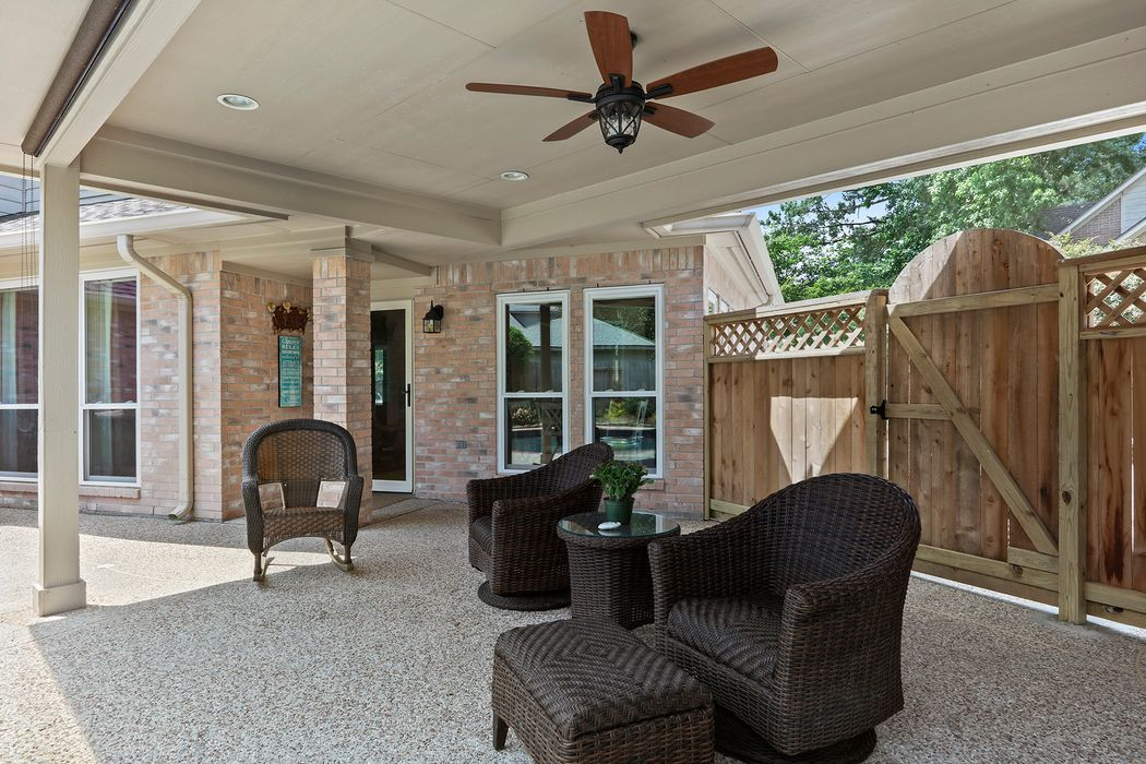 3010 Heather Lake Court Kingwood, TX 77345