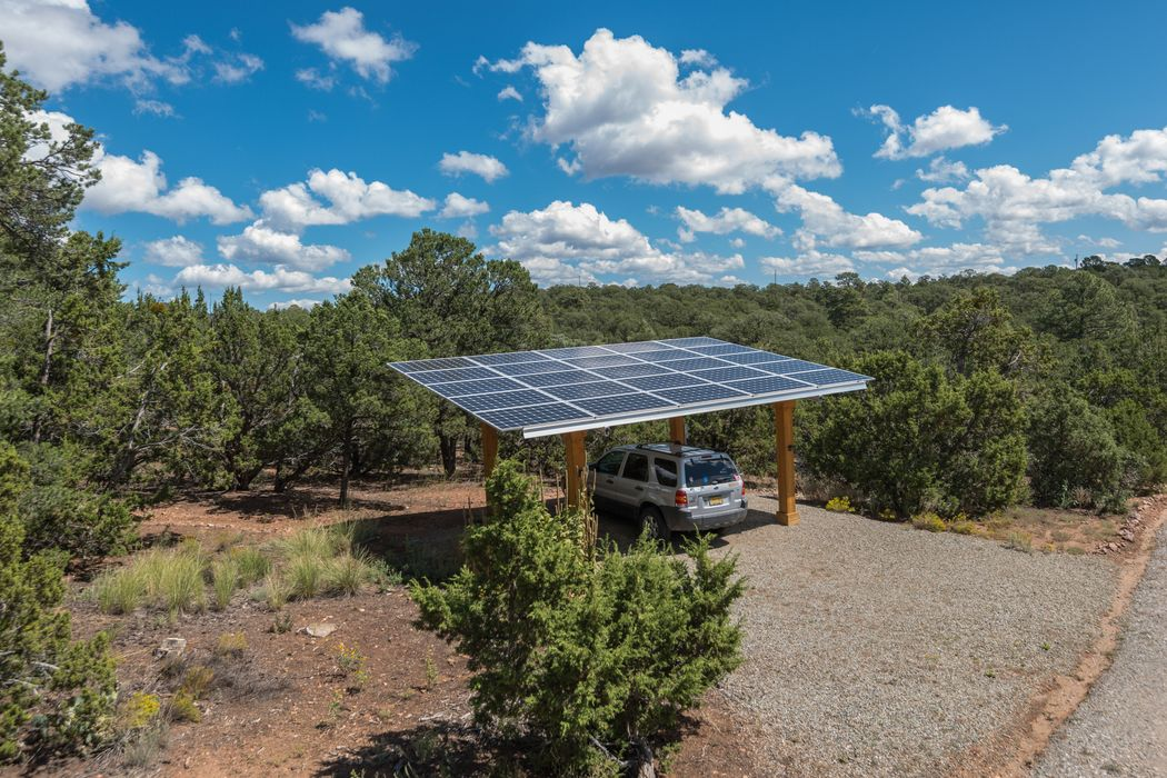 208 Apache Ridge Road Santa Fe, NM 87505