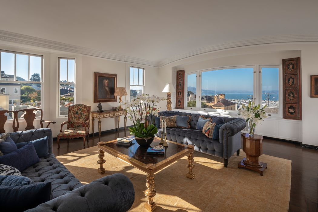 Classic Pacific Heights Co-op with View