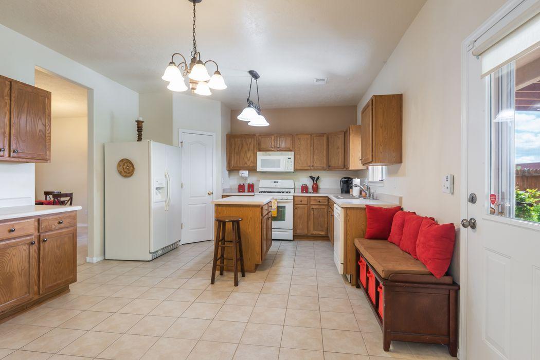 4565 Mesa Del Oro Loop Santa Fe, NM 87507