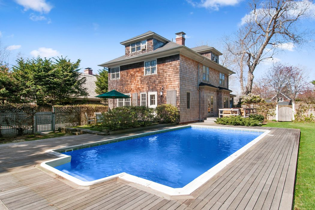 40 Cooper Lane East Hampton, NY 11937