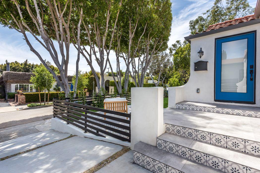 9031 Elevado Avenue West Hollywood, CA 90069